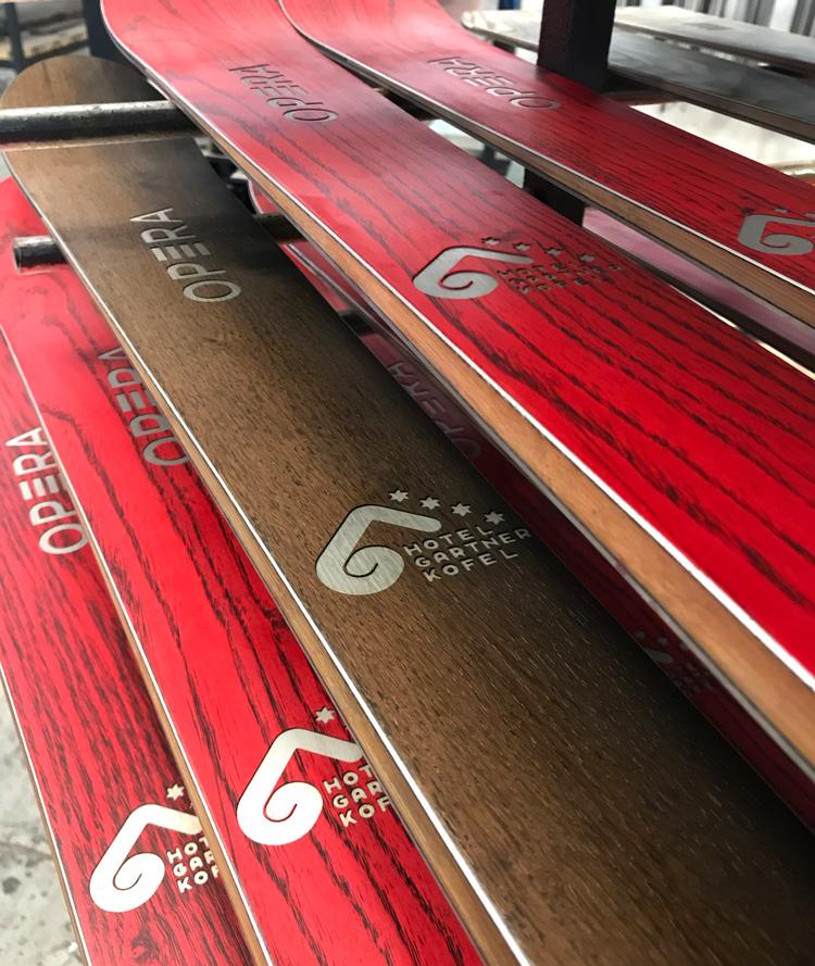 opera skis personalizzati per l'hotel gartnerkofel a passo pramollo-Nassfeld
